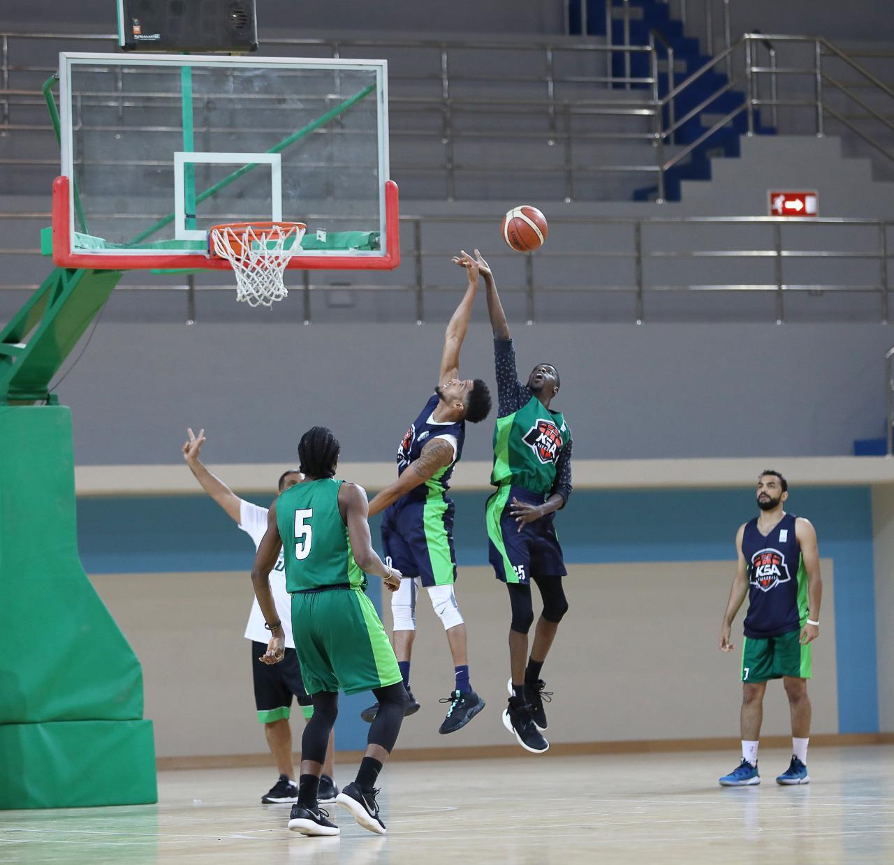 بالصور: أخضر السلة يواصل الاستعداد في جدة