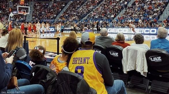 تأجيل قمة ليكرز وكليبرز في دوري السلة الأمريكي بعد وفاة براينت