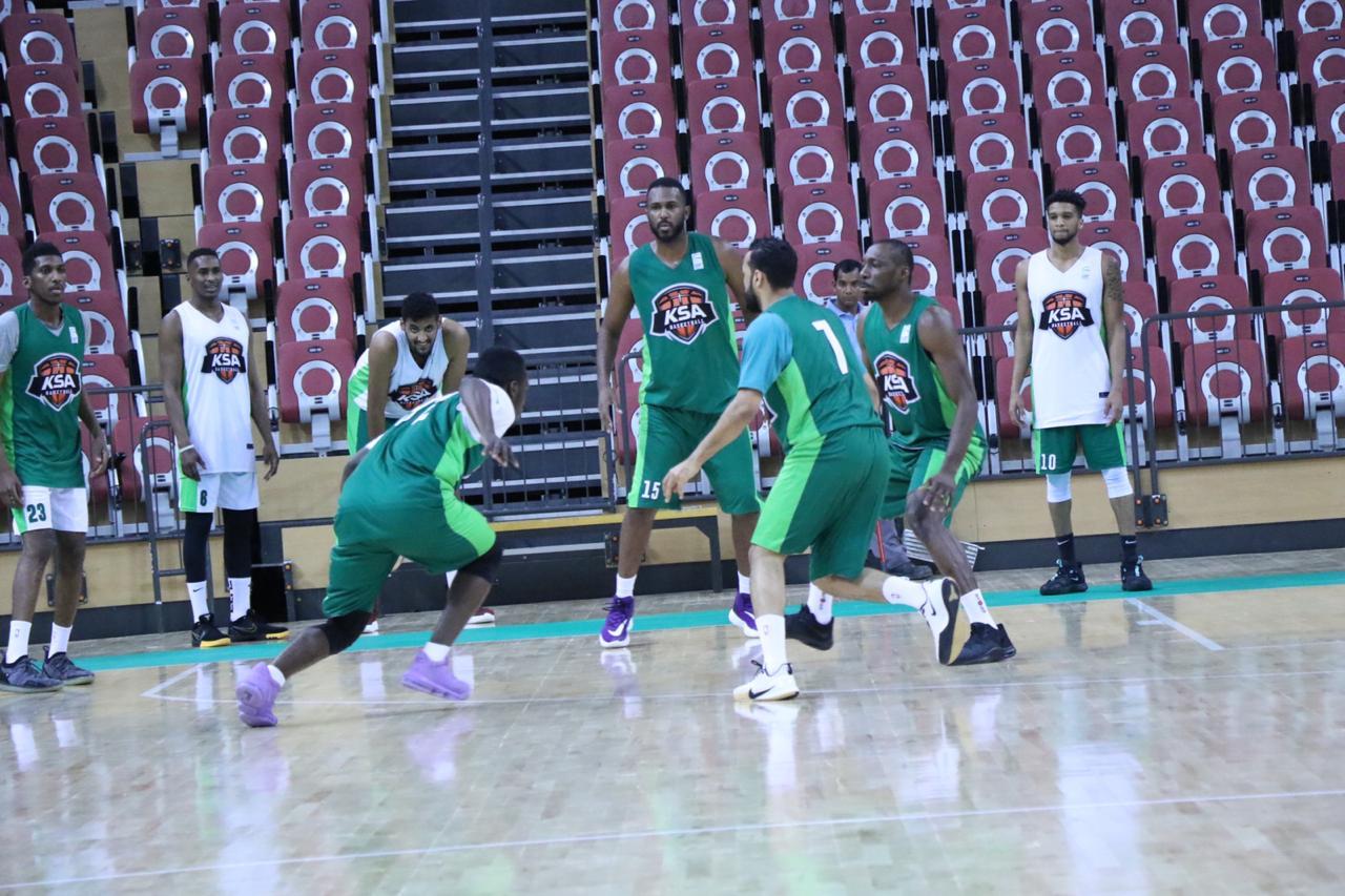 المنتخب السعودي لكرة السلة يواجه غدًا قطر في مشواره الآسيوي