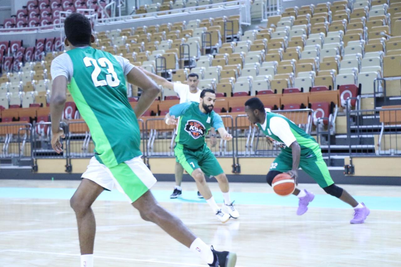 أخضر السلة  يواصل استعداداته  لمواجهة قطر على صالة الجوهرة