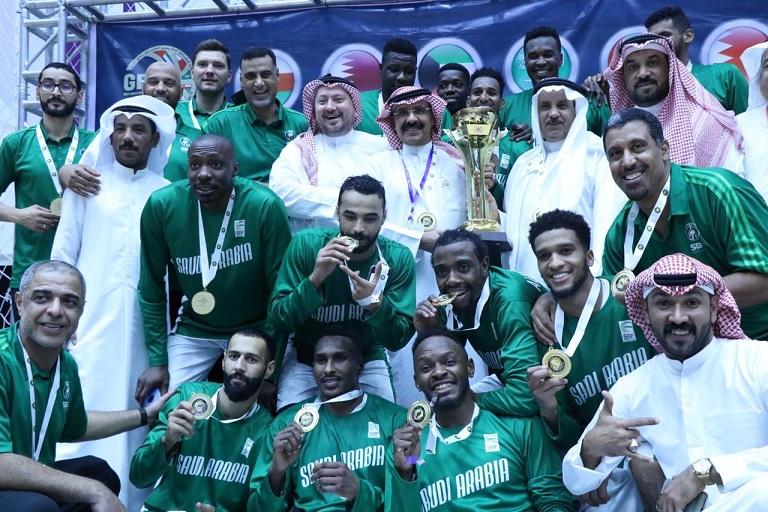 المسعد يهنئ القيادة الرياضية بعد فوز أخضر السلة بالبطولة الخليجية
